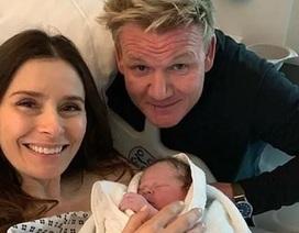 Siêu đầu bếp Gordon Ramsay đón đứa con thứ 5