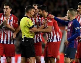 Diego Costa bị truất quyền thi đấu vì xúc phạm mẹ trọng tài
