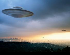 """UFO có thể là """"cỗ máy thời gian"""" được con người chế tạo từ tương lai?"""
