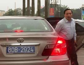 Vụ xe Camry chở lãnh đạo tỉnh có 2 biển xanh: Thu 2 biển cũ, cấp biển mới