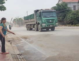 """Ninh Bình: Người dân sống bên Quốc lộ 12B """"kêu trời"""" vì bụi bẩn """"tra tấn""""!"""