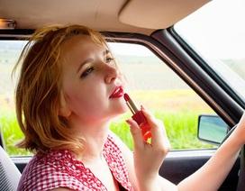 """Những """"bí quyết"""" giúp phụ nữ lái xe an toàn"""