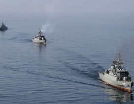 Iran yêu cầu các tàu chiến Mỹ tránh ra xa