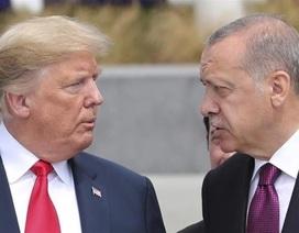 """Cấp dưới """"trách"""" ông Trump ra tối hậu thư chưa đủ mạnh với Thổ Nhĩ Kỳ"""