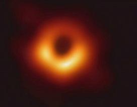 Các nhà thiên văn học chụp được hình ảnh đầu tiên của một lỗ đen