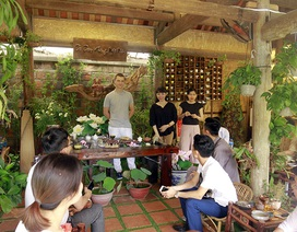 """Quán quân pha chế trà thế giới """"trình diễn"""" nghệ thuật pha trà tại Hà Nội"""