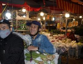 Đêm không ngủ ở chợ hoa nổi tiếng Hà Nội