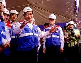 Thủ tướng Nguyễn Xuân Phúc thị sát tuyến metro số 1 của TPHCM