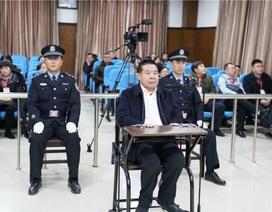 Quan chức Trung Quốc giấu chục triệu USD tham nhũng trong chuồng gà, bể nước