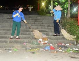 Trắng đêm dọn rác trước lễ giỗ Tổ Hùng Vương