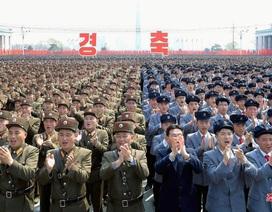 Hàng nghìn người Triều Tiên tuần hành chúc mừng Chủ tịch Kim Jong-un