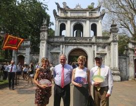 Đoàn nghị sĩ Mỹ thăm Văn Miếu, nhấn mạnh hợp tác song phương với Việt Nam