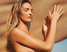 Thiên thần nội y Candice Swanepoel khoe dáng đẹp như tượng