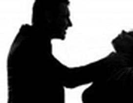 Nghi ngờ vợ ngoại tình, chồng ra tay sát hại