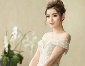 Á hậu Huyền My mặc váy cưới đẹp lộng lẫy, chỉ chờ chú rể?
