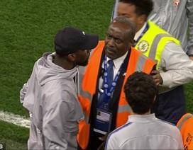 HLV Sarri bị đuổi, Chelsea cãi vã nảy lửa với Burnley