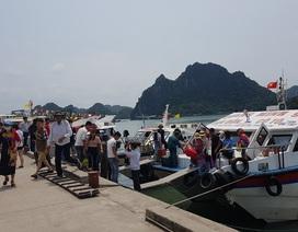 Dân bức xúc, du khách ngạc nhiên khi vé tàu ra đảo Cô Tô đột nhiên tăng cao