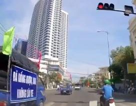 Yêu cầu chấn chỉnh đoàn xe tuyên truyền an toàn giao thông vượt đèn đỏ