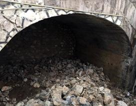 Hà Nội chính thức đục thông vòm cầu đường sắt trăm tuổi chạy qua phố cổ
