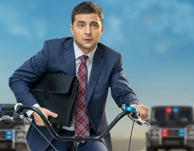 Chuyện đời như phim của diễn viên hài thắng cử tổng thống Ukraine