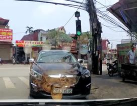 Khi ý thức giao thông không bằng... con vịt quay