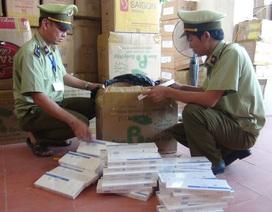 Quảng Bình: Phát hiện và bắt giữ xe tải chở hơn 19.000 bao thuốc lá lậu