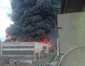 Cháy lớn ở nhà máy chế tạo tên lửa liên lục địa Nga