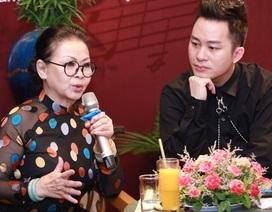"""Khánh Ly bị """"ném đá"""" khi hát cùng Chế Linh, Bằng Kiều..."""