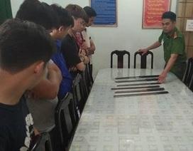 7 thiếu niên mang mã tấu chờ trước cổng trường để đánh học sinh lớp 8