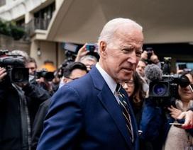 """Ông Biden quyên bộn tiền sau tuyên bố tranh cử vì """"nước Mỹ đang bị đe dọa"""""""
