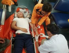 Vượt 300 hải lý, cấp cứu khẩn cấp ngư dân bị hôn mê do chấn thương ở đầu