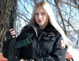 Nhan sắc bà mẹ 1 con được chọn là nữ vệ binh đẹp nhất nước Nga