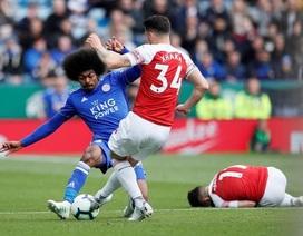 """Leicester 3-0 Arsenal: """"Pháo thủ"""" thua trận thứ ba liên tiếp"""