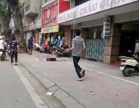 Hà Nội: Thợ sửa chữa điều hòa bị rơi từ tầng 4 nhà nghỉ xuống đất tử vong