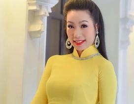 """Trịnh Kim Chi: """"Tiền rất quan trọng nhưng không mua được sức khỏe và đạo đức"""""""