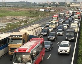 Hà Nội: Ùn tắc nghiêm trọng trên cao tốc Pháp Vân - Cầu Giẽ