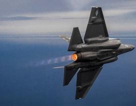 """Mỹ bổ sung tính năng giúp """"tia chớp"""" F-35 thêm sát thương khi không chiến"""