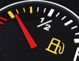 Đợi xe hết xăng mới đổ hay nên đổ sớm?