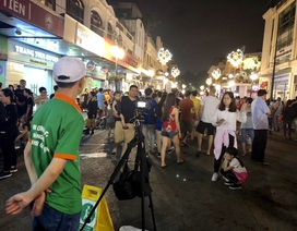 Hà Nội: Ghi hình người xả rác trên phố đi bộ để xử phạt