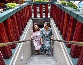 Công chúa Thụy Điển thăm căn hầm trú bom dưới khách sạn 5 sao ở Hà Nội