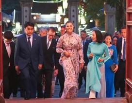 Công chúa Thụy Điển thăm Văn Miếu, ca ngợi tình hữu nghị lâu bền với Việt Nam