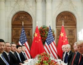 Hé lộ lý do ông Trump bất ngờ khơi lại chiến tranh thương mại với Trung Quốc