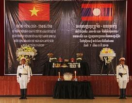 Lễ truy điệu, nhận bàn giao 2 hài cốt liệt sỹ Việt Nam hy sinh tại Viêng Chăn