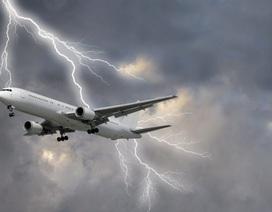 Sét đánh ảnh hưởng như thế nào tới máy bay trên không trung?