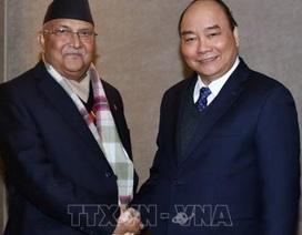 Thủ tướng Nguyễn Xuân Phúc mời Thủ tướng Nepal thăm chính thức Việt Nam