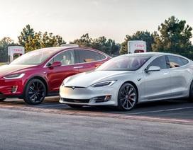 Xe Tesla có thể tự phát hiện lỗi và đặt dịch sửa chữa