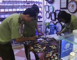 Tạm giữ gần 1.300 chiếc đồng hồ đeo tay có dấu hiệu giả mạo các nhãn hiệu