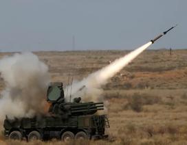 Căn cứ không quân Nga ở Syria liên tiếp bị tấn công bằng tên lửa