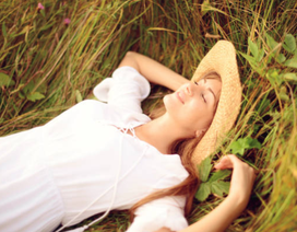 Là phụ nữ, hãy yêu bản thân mình trong từng hơi thở