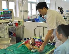 Bé trai 5 tuổi suy đa tạng, nguy kịch tính mạng vì dùng thuốc nam hạ sốt